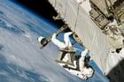 Foto astronauta en el espacio