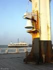 Foto Campana en faro de paseo marítimo