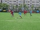 Foto jugar al fútbol