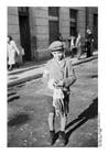 Foto Niños judíos con brazalete en Radom, Polonia