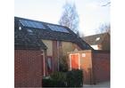 Foto Paneles solares en un tejado, energía solar
