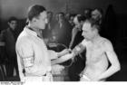 Foto Polonia - Gueto Warschau - hombres controlados médicamente